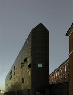 http://www.archilovers.com/p67676/lcv-law-court-offices-in-venice#images