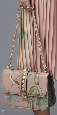 Valentino shouder bag. Art. Pink total look. Last fashion trends of Valentino
