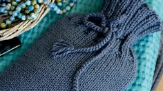 How to knit a hot-water bottle cover