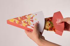 An engineering package design for pizza product. It allows consumers to freely choose the quantity and flavors of pizza slices. It also solves the problem of greasing hands.