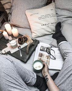 tatiana_home_decor on Bildgram � Instagram Posts, Videos & Stories at bildgram.com #bildgram To na dzien dobry chwila z sama soba, zanim zaczne ogarniac zycie... Pieknego dnia Kochani ??__ #morningmood #autumnmorning #morningcoffee #morningvibes #morninggoals #coffeeholic #coffeetime #coffeemug #instacoffee #coffeeaddict #coffeeinbed #onemoment #littlestoriesofmylife #bedset #pillow #details #lifestyleblogger #tatianahomedecor #instablog