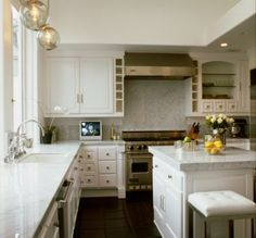 I love the look of a clean white kitchen!
