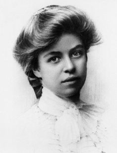 Eleanor Roosevelt, 1898.  The prettiest picture I've ever seen of her.