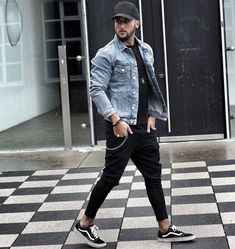 Casual Man (Jeans, Shorts, T-Shirts – Jonathan Alonso Site : www. – Men's style, accessories, mens fashion trends 2020 Jean Jacket Outfits, Denim Jacket Men, Men's Denim, Men Shorts, Outfit Jeans, Mens Style Guide, Men Style Tips, Stylish Men, Men Casual