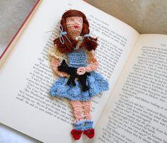 Dorothy & Toto Reading Character Crochet Bookmark.