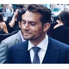O sorrisinho ❤ {#henrycavill #cavill #superman #superhomem #manfromuncle #manofsteel #homemdeaço #themanfromuncle #napoleonsolo #guyritchie #toronto #canada #premiere #smile #batman #batmanvsuperman #bvs}