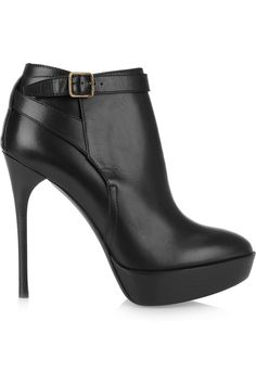 Ive been trying to find the perfect black ankle boot for YEARS. Maybe this fall I'll find it. Hopefully on sale :-)|burberry prorsum leather ankle boots $795