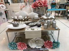 preparando la tienda con las novedades en www.virginia-esber.es