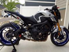 MotovationUSA.com Custom Yamaha FZ-09. Rizoma Accessories ...