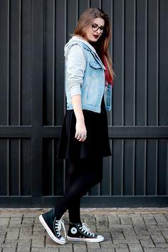 Meninices da Vida: Look Camila Rech: Vestido, casaco e all star. #streetstyle #ootd