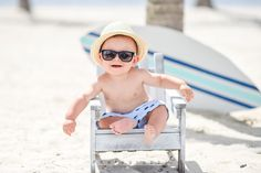 Happy Friday from this adorable dude! ☀️ In love with this shoot and this cutie pie ... #tuttibambiniphotography #tbphoto #beach #adorable #creative #classy #love @tuttibambiniphotography
