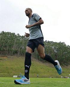 BotafogoDePrimeira: De volta, Luis Ricardo acirra disputa na lateral e...