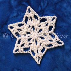 Mini Moss Snowflake Free Crochet Snowflake Patterns, Crochet Stars, Christmas Crochet Patterns, Holiday Crochet, Crochet Snowflakes, Christmas Snowflakes, Crochet Home, Thread Crochet, Crochet Motif