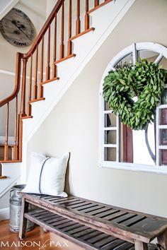 Heart-shaped wreath: gorgeous, subtle Valentine's Day touch | maisondepax.com