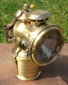 Lucas Acetyphote No. 317 mit besonderem Dom am Wassertank.