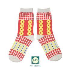 MEASUREMENT<<< Leg Length: 20 cm Foot Length: 23-28 cm Unisex size, fits foot size 23cm-28cm >>>DESCRIPTION<<< 83% Combed Cotton 14%