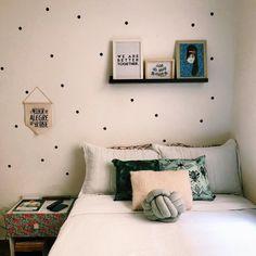 35 Amazingly Pretty Shabby Chic Bedroom Design and Decor Ideas - The Trending House Trendy Bedroom, Girls Bedroom, Bedroom Romantic, Bedroom Colors, Bedroom Decor, Pastel Room, Scandinavian Bedroom, White Bedroom, New Room