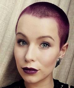 What do you think of this color? Super Short Hair, Girl Short Hair, Short Hair Cuts, Short Hair Styles, Short Hairstyles For Women, Girl Hairstyles, Shaved Head Women, Buzzcut Girl, Buzzed Hair