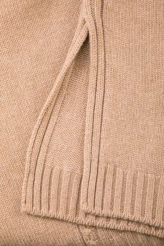Luxury Store, Sweater Design, Knitting Stitches, School Design, Knitwear, Vogue, Pullover, Sweaters, Pattern