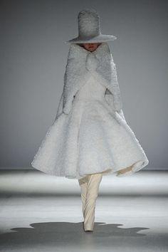 Gareth Pugh Automne/Hiver 2014, Womenswear - Défilés (#18045)
