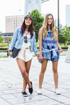 【ELLEgirl】ケリア・モニーツ(左)、モニカ(右)/サーファー|グリーンルーム・フェスティバルでリアルスタイルをキャッチ!|エル・ガール・オンライン