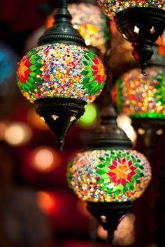 """simply-beautiful-world: """"❥‿↗⁀simply-beautiful-world """" Mosaic Art, Mosaic Glass, Glass Art, Turkish Lamps, Moroccan Lamp, Moroccan Lanterns, Hanging Lanterns, Hanging Lights, Glass Lights"""
