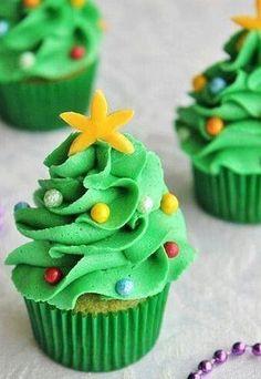 Cupcake Decorado con forma de Árbol de Navidad - Cupcakes Navideños