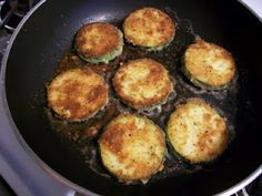 This is a very delicious way to eat zucchini, albeit a very high calorie way - sometime soon I want to try breading these and baking them . Fried Zucchini Recipes, How To Cook Zucchini, Bake Zucchini, Zucchini Fries, Chickpea Recipes, Fried Zuchinni, Zuchinni Bread, Great Recipes, Favorite Recipes