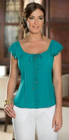 Christian Fashion Look - Women Outfits Sewing Blouses, Casual Outfits, Cute Outfits, Look Chic, Cute Tops, Casual Chic, Blouse Designs, Casual Looks, Blouses For Women