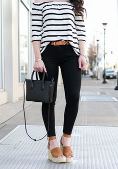 Cute Spring Outfits, Casual Summer Outfits, Casual Wear, Brown Wedges Outfit, Cute Wedges, Cropped Skinny Jeans, Ladies Dress Design, Spring Summer Fashion, Wedge Shoes