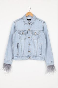 Statement jean jacket for bride - wedding day jacket for wedding day - Lulus All About the Attitude feather jacket, $68, Lulus - See more bridal jackets on WeddingWire! Denim Wedding, Wedding Jacket, Custom Leather Jackets, Embroidered Denim Jacket, Edgy Look, Blazer Buttons, Light Denim, Fashion Games, Denim Fashion