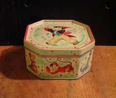 Circus Themed Vintage Tin Box c 1950 Dutch Holland Retro - Wonderful