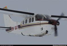 Cessna 210 Centurion  (landing gear retracted)