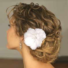 25 EASY pretty curly hair styles. Same side tuck but add a flower. This is my standard when I try to look decent during the summer. =))