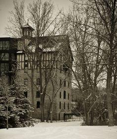 Old Mill (Toronto)