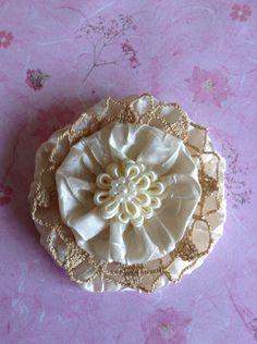 Fabric yoyo flower handmade by Juana