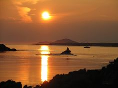 Environmentally-friendly camping at Actons EcoBeach in Clifden - For a holiday that's close to nature and comes without the carbon footprint Camping Style, Beach Camping, Ireland Holiday, West Coast Of Ireland, Connemara, Snorkelling, Closer To Nature, The Dunes, Beach Walk