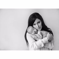 Kari Jobe Shares Beautiful New Baby Photos Newborn Baby Photos, Baby Poses, Newborn Poses, Newborn Shoot, Newborn Pictures, Baby Boy Newborn, Baby Pictures, Newborns, Newborn Photo Outfits