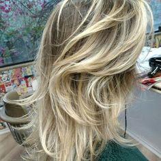Loiro perolado, blond hair                                                                                                                                                                                 Mais