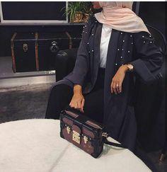 Hijab Outfit, Hijab Wear, Girl Hijab, Turban Hijab, Abaya Fashion, Muslim Fashion, Fashion Outfits, Hijab Style, Hijab Chic