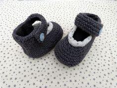chaussons bébé tricotés gris chiné_3 mois_fait-main pour bébé : Mode Bébé par decofil