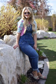 #ootd #whatiwore #whatiwore #fashionblogger #lookoftheday #harrypotter #stylefiles #lookbook #stylepost #whattowear What I Wore, What To Wear, Ootd Spring, Bell Bottoms, My Outfit, Bell Bottom Jeans, Casual, Pants, Outfits