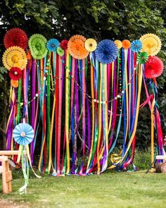 60 Inspiring Outdoor Summer Party Decorations Ideas Outdoor parties are really Mexican Fiesta Party, Fiesta Theme Party, Mexican Fiesta Decorations, Theme Parties, Mexico Party Theme, Fiesta Party Centerpieces, 60s Party Themes, Mexican Pinata, Fiesta Ideas