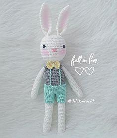 WEBSTA @ dileksworld - Ne yaparsan yap aşk ile yap ,sevgi ile yap Bir minnoş tavşan daha aramıza katıldı _ ip/yarn:catania  tığ/Hook:2,20 mm_#neyaparsanyapaskileyap #fallinlove Crochet Rabbit, Cute Crochet, Crochet Dolls, Knit Crochet, Amigurumi Doll, Amigurumi Patterns, Crochet Patterns, Rabbit Toys, Bunny Toys