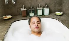 Researchers have discovered that prolonged immersion in a piping hot bath has many of the same medical benefits as aerobic exercise Do Exercise, Regular Exercise, Health And Wellbeing, Health Benefits, Long Bath, Lower Blood Pressure, Aerobics, How To Run Longer, Tub