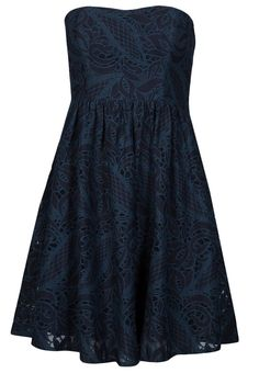 9f5ccb017b9ed Vila ESARA - learn to sew such dresses!