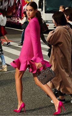 Women's Luxury Fashion & Designer Shopping Fashion Pants, Women's Fashion Dresses, Net Fashion, Fashion Sandals, Fashion Online, Mode Outfits, Trendy Outfits, Classy Outfits, Luxury Fashion
