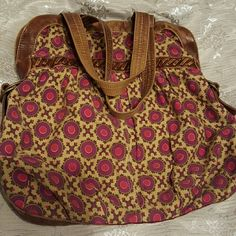 Great Boho Hobo Exceptional size with built in slots and pockets material is like new no snags tears or stains, so beautiful for weekend and traveling Bags Hobos
