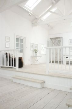 White wooden beach house dreaming // I like... but too much white...