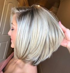 70 Brightest Medium Layered Haircuts to Light You Up - White Blonde Bob For Thick Hair - Medium Layered Haircuts, Bob Hairstyles For Thick, Haircut For Thick Hair, Short Bob Haircuts, Wig Hairstyles, Textured Hairstyles, Wedding Hairstyles, Modern Haircuts, Thin Hair